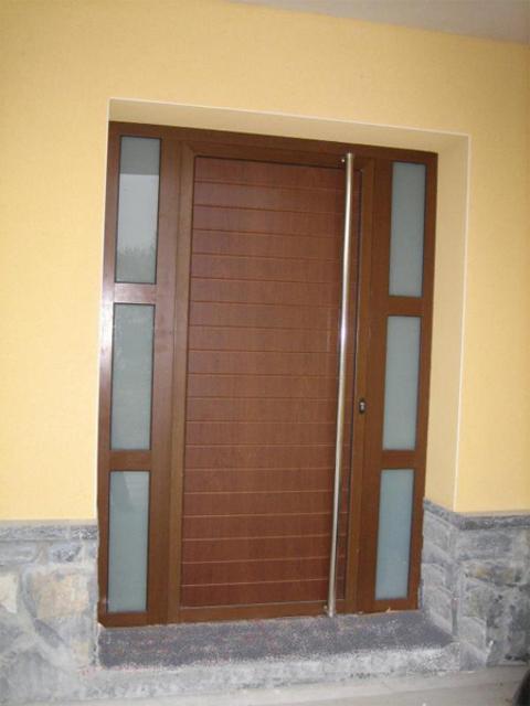 Puertas vivienda materiales de construcci n para la for Puertas para vivienda